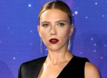 Lehidalsz, ha meglátod: Ilyen dögös ruhában jelent meg Scarlett Johansson