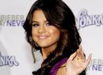 Selena Gomez becsavarodott? Megállás nélkül bulizik, tetováltat és hízik