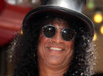 Vége! 17 év házasság után Slash elvált feleségétől