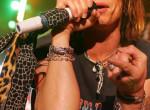 A világhírű zenész bevallota: Örökbefogadott, majd teherbe ejtett egy tinit
