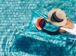 Strandra se megyünk nélküle: Ez a legújabb nyári divathóbort a nőknél
