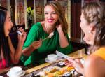 Így egyél az étteremben, hogy ne nézzenek bunkónak