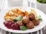 Pont mint az Ikeában: Svéd húsgolyók áfonyamártással