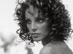 Teljesen eltorzult az arca a plasztikától az egykor gyönyörű színésznőnek – Fotók