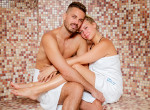 Így romantikáznak Solti Ádámék! Ide menekültek a hideg idő elől