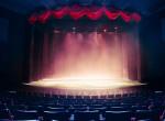 Nem lesz kötelező védőmaszkot viselni a színházakban