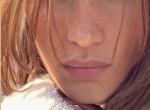 Új frizurával sokkolt: Kiszőkült a világ leghíresebb barna hajú modellje