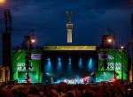 Hatalmas buli a Hősök terén - Több mint hetvenezren tomboltak Bryan Adams koncertjén