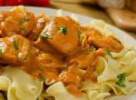 A magyar konyha megunhatatlan sztárja: Omlós és szaftos csirkepaprikás vasárnapra