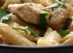 Tejszínes-csirkés-gombás penne: Ennél gyorsabb receptet úgysem találsz