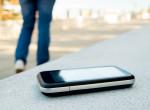 Elképesztő felvétel: Elhagyta telefonját a lány, így kapta vissza