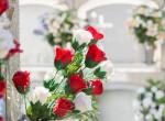 Nem hitt a szemének, amikor meglátta, ki vitt virágot a szülei sírjára