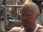 85 éves! Nagyon durva teste van a világ legidősebb body builderének