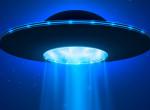 Kéken ragyogó UFO hasított végig az égen, mindenkinek ajkára fagyott a szó - Videó