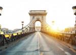 Szürreális látvány: így fest Budapest autósok és járókelők nélkül – Videó