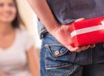 Minél drágább a Valentin-napi ajándék, annál gyengébb a kapcsolat?