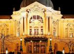 Lezuhant a Vígszínház tetejéről egy férfi – Videó