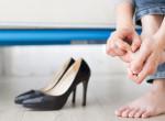 Ennyi a titok: Így vedd fel a cipőidet, hogy ne legyen vízhólyagos a lábad