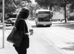 Az év divatbakija - lefotózták a nőt a buszon, mert ilyen ciki nadrágot viselt