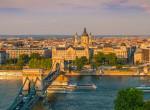 Magyar nyelvű szlogen előtt, Budapest belvárosában pózolt a világhírű színésznő - Fotó