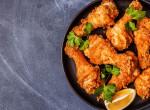 Vacsora 50 perc alatt: Ropogós tepsis csirkecomb hagymás-tejfölös bundában