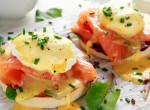 A hétvégi reggelik luxusa – Eggs Benedict, ahogy a nagykönyvben meg van írva