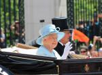Ez a volt szépségkirálynő ma gazdagabb, mint Erzsébet királynő - Fotók