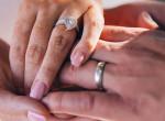 A vőlegény anyja az esküvőn jött rá, hogy a menyasszony a lánya – Mégis megköttetett a frigy