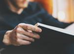 Az olvasás szerinted is szexi? Ezeket a pasikat elnézve biztosan