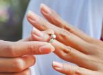 Tudtad? Ezért hordjuk a karikagyűrűt a negyedik ujjunkon