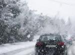 Megint fehérbe borult az ország, a Bakonyban hóvihar tombol, több busz elakadt