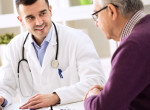 A háziorvosok mostantól jelentést írnak azokról az idősekről, akik elutasítják az oltást