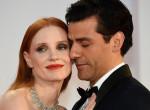 Úgy flörtölt a két filmsztár a vörös szőnyegen, mintha nem lennének mindketten házasok