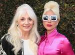 Nem esett messze az alma a fájától: ez a gyönyörű nő Lady Gaga 67 éves édesanyja - fotók