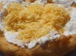 """""""Egy sajtos-tejfölös lesz"""" – Így süssünk tökéletes lángost otthon,"""