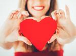 Ide utazz, ha szerelemre vágysz - a szerelmet termő Rózsakő mágiája a Balatonnál