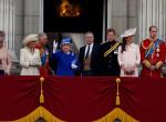 Botrány a királyi családban: három csinos nővel múlatta az időt az újdonsült apuka