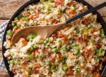 Villámgyors zöldséges pirított rizs nyugati módra – A bacont ki ne hagyd belőle