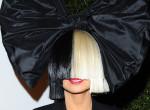 Felnőtt: ellopta a showt a filmbemutatón a Sia klipjében táncoló kislány