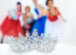 Botrányba fulladt a szépségverseny: az egyik királynő kórházban, a másik letartóztatásban végezte