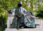 7 szerencsehozó szobor Budapesten, amelyeket érdemes meglátogatni és megdörzsölni