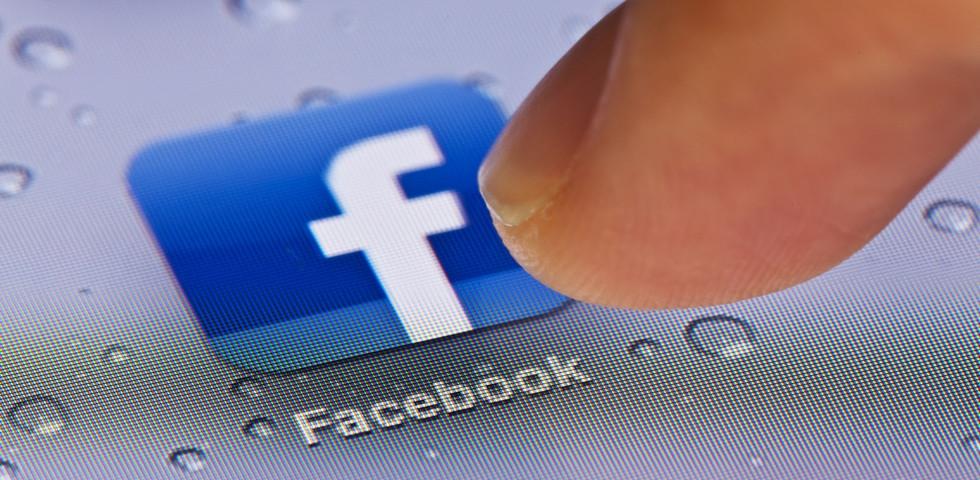 Tudtad? Ezt csinálja a Facebook a közzé nem tett fotóiddal