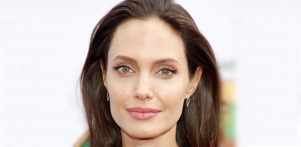 Angelina Jolie-t elhagyja legidősebb fia - Messzebb nem is költözhetne!