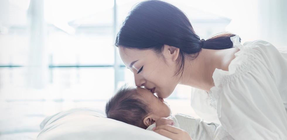 Megpuszilták a rokonok az újszülöttet: Életveszélyes állapotba került