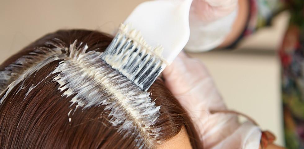 Rosszul sült el a hajfestés? Így távolíthatod el könnyen a nem kívánt színt