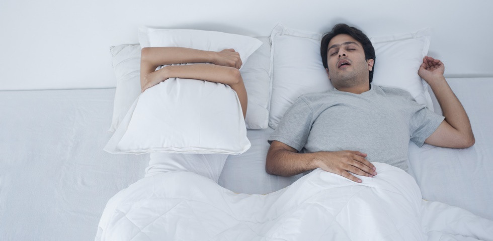 Házi praktikák horkolás ellen, amik tényleg működnek