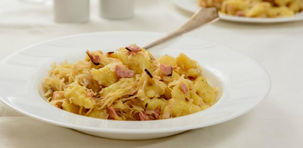 Káposztás sztrapacska: Egy étel, aminek képtelenség ellenállni!