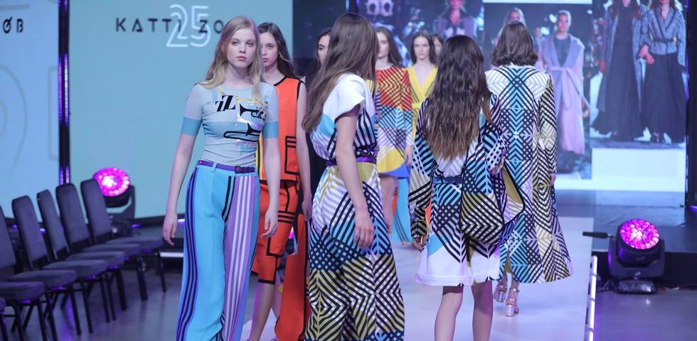 Csodaszép volt Katti Zoób exkluzív divatbemutatója a Femcafe Gálán - Fotók