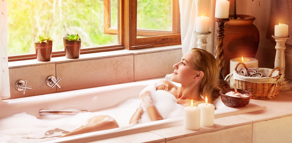 Wellness a fürdőszobában - így csinálj magadnak házilag aromafürdőt