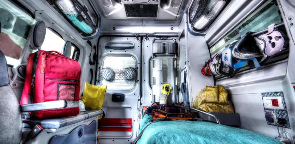 Megható: A mentősök teljesítették a mozgássérült fiú leghőbb kívánságát